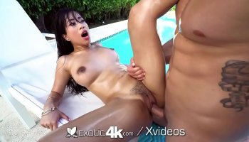 Kagney Linn Karter takes two cocks in her ass outdoor